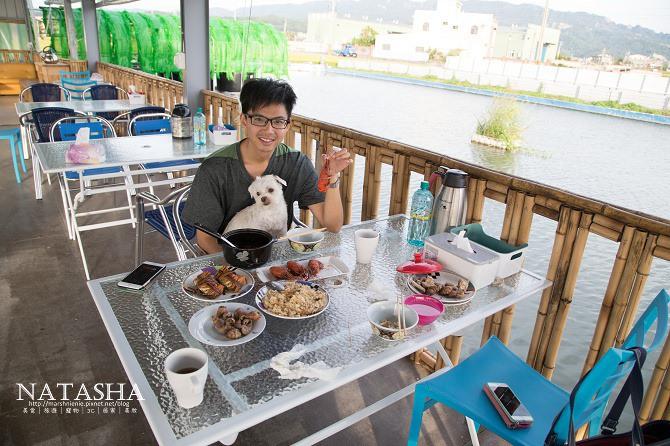 寵物友善餐廳│苗栗苑裡美食│紅心大閘蟹泰國蝦生態養殖場。在水上享用美味海鮮