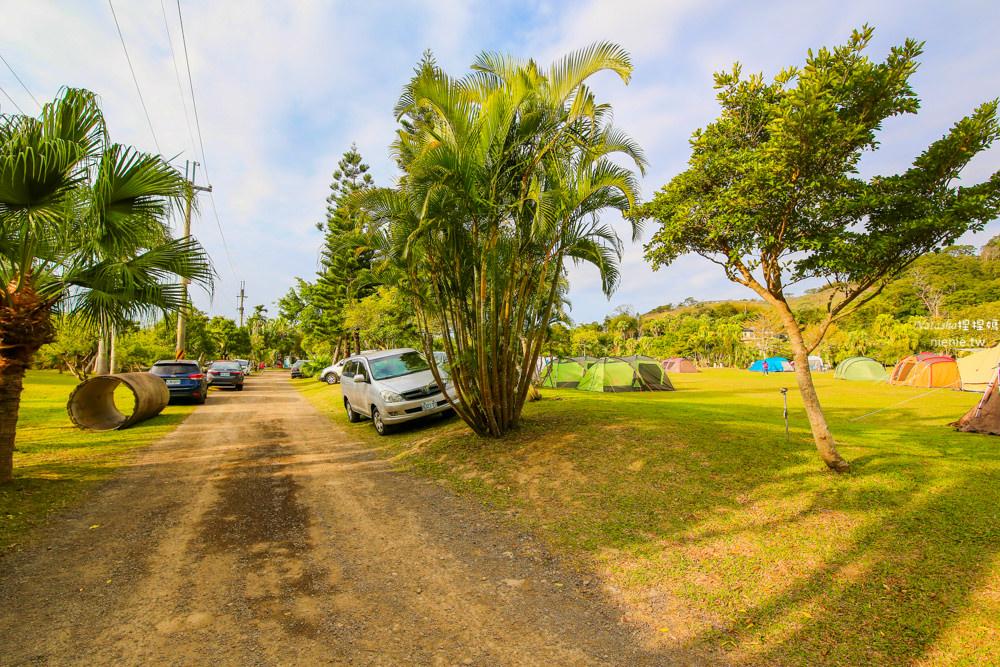 苗栗大草皮營地 苗栗三灣棕櫚灣自然露營區~平整大草皮及超美可垂釣湖畔