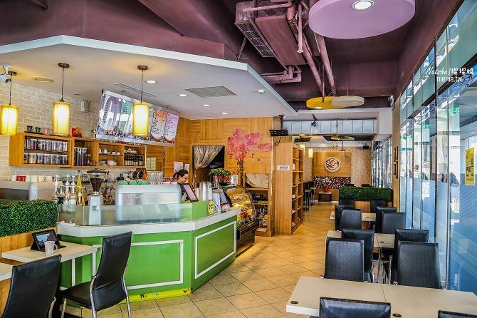 寵物友善餐廳│新北中和美食│老爺爺咖啡~上萬元高級全身按摩椅讓你喝咖啡吃美食超放鬆03