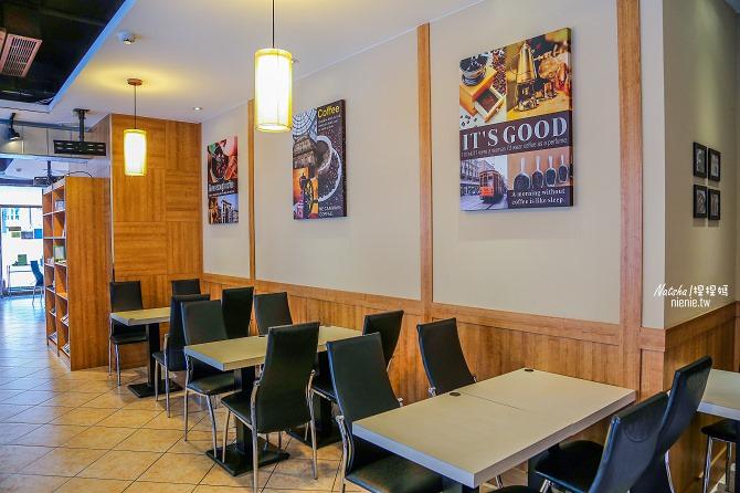 寵物友善餐廳│新北中和美食│老爺爺咖啡~上萬元高級全身按摩椅讓你喝咖啡吃美食超放鬆51