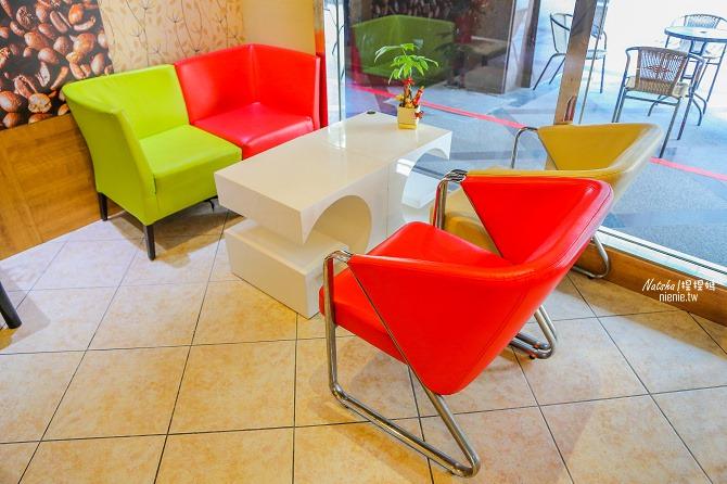 寵物友善餐廳│新北中和美食│老爺爺咖啡~上萬元高級全身按摩椅讓你喝咖啡吃美食超放鬆52