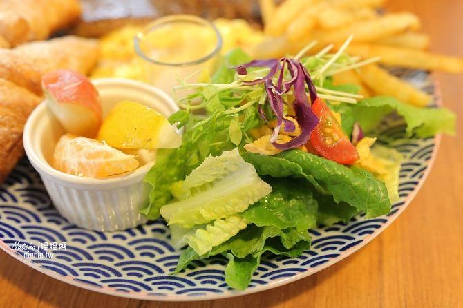 寵物餐廳│台南北區美食│肥窩咖啡~超精緻的寵物餐及可愛店狗23