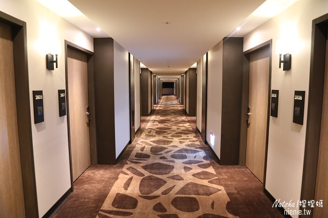 新北。新店飯店推薦│白金花園酒店~新店兩天一夜行程安排。碧潭水灣餐廳/葳尼斯牛排