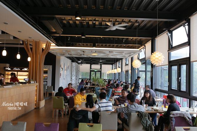 寵物友善餐廳│新竹香山美食│綠鏡景觀餐廳~景觀大道上擁有大片草皮的玻璃屋餐廳04