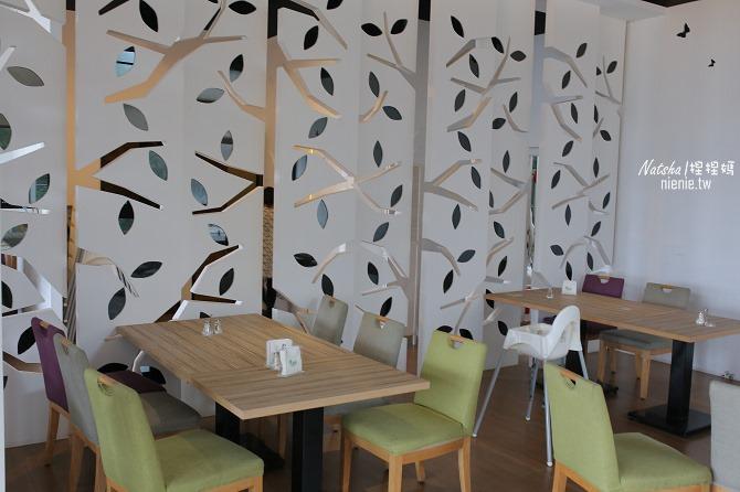 寵物友善餐廳│新竹香山美食│綠鏡景觀餐廳~景觀大道上擁有大片草皮的玻璃屋餐廳07