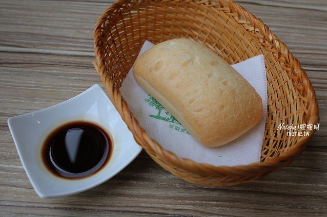 寵物友善餐廳│新竹香山美食│綠鏡景觀餐廳~景觀大道上擁有大片草皮的玻璃屋餐廳10
