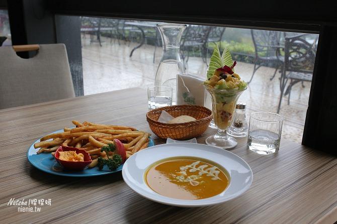 寵物友善餐廳│新竹香山美食│綠鏡景觀餐廳~景觀大道上擁有大片草皮的玻璃屋餐廳15
