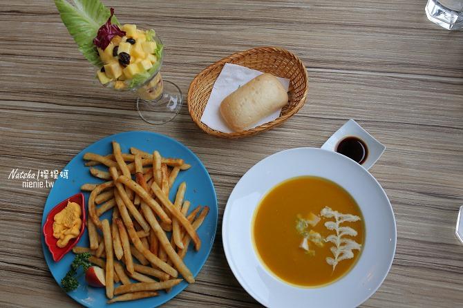 寵物友善餐廳│新竹香山美食│綠鏡景觀餐廳~景觀大道上擁有大片草皮的玻璃屋餐廳18