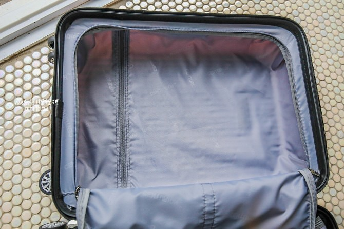 行李箱推薦│CENTURION百夫長行李箱~空姐藝人超愛的美國知名專櫃品牌。近百種顏色亮眼晶鑽鏡面設計09