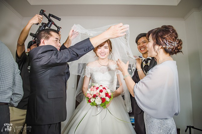 婚禮│婚錄推薦│酷碼影像製作Kuma Family Filming Team~從求婚到訂婚結婚未曾讓我後悔的超強空拍及剪接技術婚錄團隊03